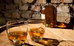 """Rượu whisky - """"Gà đẻ trứng vàng"""" của nền kinh tế nước Anh"""