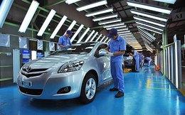 """Lo thuế, phí """"đè chết"""" ngành công nghiệp ô tô?"""