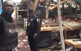 Hai phụ nữ đánh bom tự sát rung chuyển chợ đông người