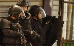 Đấu súng gần Paris: Tiêu diệt ba nghi can khủng bố