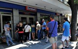 Hy Lạp mở cửa ngân hàng, túi tiền dân teo tóp