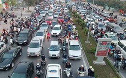 Hà Nội: Dỡ bỏ dải phân làn trên nhiều tuyến phố
