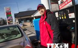 Các tập đoàn dầu khí Mỹ vẫn có lãi bất chấp đà rơi của giá dầu