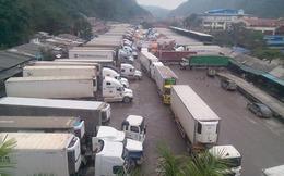 Ùn ứ nông sản tại cửa khẩu Tân Thanh: Tiểu thương bán tống, bán tháo hàng