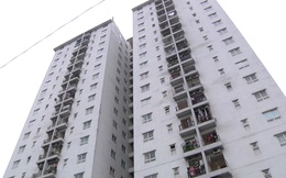 Cư dân bức xúc với tình trạng nứt nẻ, bong tróc...của chung cư 137 Nguyễn Ngọc Vũ