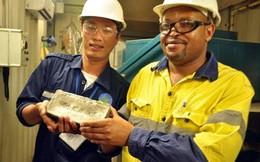 Đào 7 tấn vàng mang đi, khối nợ 400 tỷ để lại