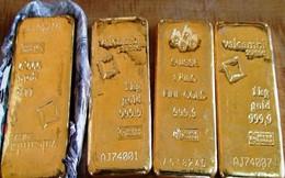 Nội Bài: Bắt kẻ xuất lậu 7 tượng vàng nặng 5 kg