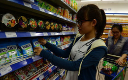 """""""Cuộc chiến"""" bán lẻ:Người Thái dọn chỗ bán hàng"""