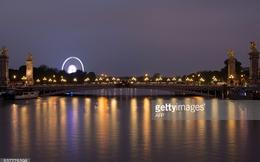 """Paris """"mùa nước lũ"""": Ngập nhưng vẫn phải lãng mạn!"""