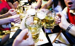 Đặt cược vào văn hóa nhậu của người Việt - nước cờ mới của ông chủ Heineken và Tiger
