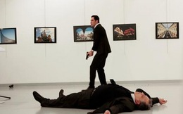 Sự thật đằng sau bức ảnh chụp cận cảnh kẻ ám sát Đại sứ Nga