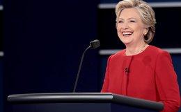 Đoạn độc thoại của Donald Trump khiến bà Clinton bật cười giữa cuộc tranh luận nảy lửa