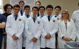 Giờ học sinh cấp 3 giỏi thế này cơ mà: Chế lại thuốc đặc trị HIV $750/viên với giá chỉ $2