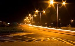 Đề xuất chi gần 50 tỷ thí điểm lắp 300 đèn năng lượng mặt trời trên quốc lộ
