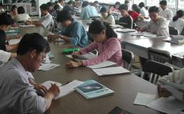 """Người Việt trẻ hãy """"quẳng"""" facebook và cầm sách lên đọc đi"""