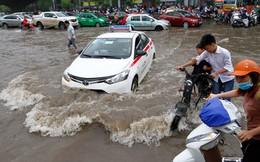 """Hà Nội ngập do """"mưa vượt quá công suất thoát nước"""""""