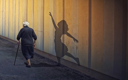 Ai cũng có một tuổi trẻ để sống để trải nghiệm, đừng để đến lúc già mới hối tiếc