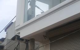 """Đề nghị kiểm tra nhà 4 tầng """"nuốt"""" cột điệntại Hà Nội"""