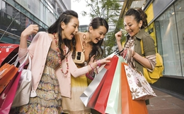 Vì sao người Việt chi không tiếc tay cho giáo dục và không ngại mua hàng hiệu?