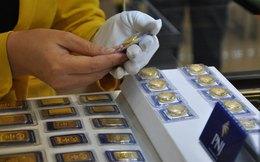 Giá vàng bất ngờ tăng mạnh, cao hơn thế giới 4 triệu đồng/lượng