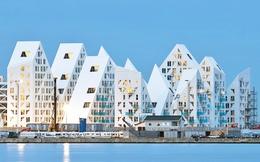 Ngỡ ngàng với khối nhà có kiến trúc lạ bên bờ biển Đan Mạch