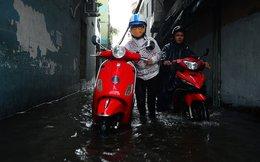 Mưa to, một số đường và hẻm Sài Gòn lại ngập
