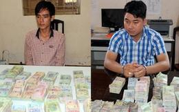 Bắt 2 cửu vạn vận chuyển hơn 5,4 tỷ đồng về Việt Nam