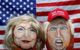 Bà Clinton: Donald Trump có thể đẩy Mỹ vào khủng hoảng kinh tế
