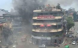 """Cháy gần tòa nhà """"Hàm Cá mập"""" giữa Thủ đô Hà Nội, khói bốc nghi ngút"""