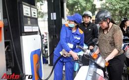 Giá xăng tiếp tục giảm gần 600 đồng/lít từ 15h chiều nay