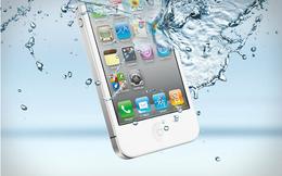 Những điều nên và không nên làm khi điện thoại bị rơi xuống nước