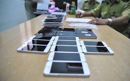 Bắt giữ vụ buôn lậu điện thoại Iphone, Samsung trị giá 1 tỷ đồng