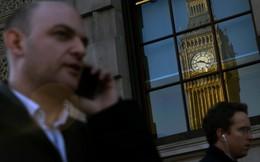 """Thủ tướng Anh có thể chọn """"hard Brexit"""", đồng bảng lao dốc"""