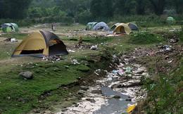 Hà Nội: Du khách hạ trại bên hồ Hàm Lợn ngập rác thải