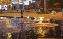 Hồ nước tại cột đồng hồ 42 tỷ biến thành...'công viên nước'