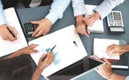 Báo cáo không đúng thời hạn giao dịch cổ phiếu, hai cá nhân và một công ty bị phạt hành chính