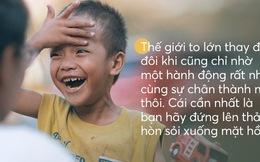 """""""Cậu bé xếp dép"""" được đi học: Ai cũng có thể tạo ra sự thay đổi, chỉ bằng cách gieo mầm 1 việc tốt rất nhỏ thôi"""