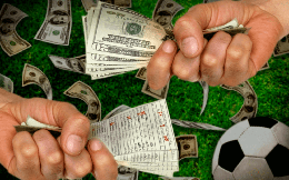 Phòng, chống rửa tiền và tài trợ khủng bố như thế nào khi Việt Nam cho phép cá cược bóng đá quốc tế?