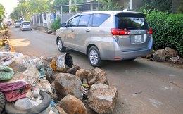 [Video]: Né BOT, xe tải 'rủ nhau' phá đường dân sinh ở Đồng Nai