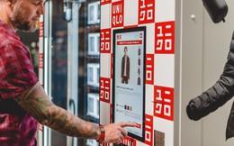 Đặt máy bán áo tự động ở sân bay, Uniqlo định bán quần áo như bán 1 lon nước ngọt