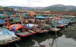 Trên 5.000 khách du lịch mắc kẹt trên các đảo ở Quảng Ninh