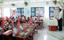 Có nên chuyển viên chức giáo viên sang hợp đồng lao động?