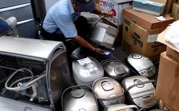 """2 container chứa đồ Nhật 'bãi' của công ty """"ma"""""""