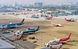 Hàng loạt chuyến bay bị hủy vì bão số 14
