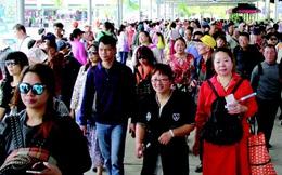 Tăng cường kiểm soát tiền mặt với du khách quốc tế đến Việt Nam