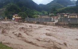 [Video]: Nước lũ đỏ ngầu ùn ùn đổ về Nghĩa Lộ, Yên Bái sơ tán dân khẩn cấp