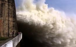 Lũ trên sông Đà lên nhanh, thủy điện Lai Châu mở 3 cửa xả