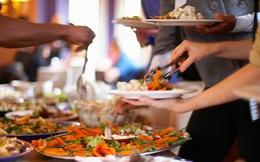 Nguyên tắc ăn buffet: Làm sao để ăn được nhiều mà vẫn giữ được phép lịch sự