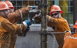 """Tồn kho Mỹ tăng lần đầu trong 5 tuần, giá dầu """"cài số lùi"""""""