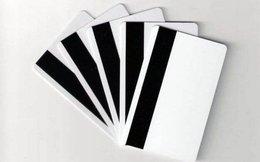 Phát hiện 200 phôi thẻ và các thiết bị nhằm rút tiền tại các cây ATM